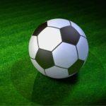 サッカーボールの色が白黒になった意外な理由とは??